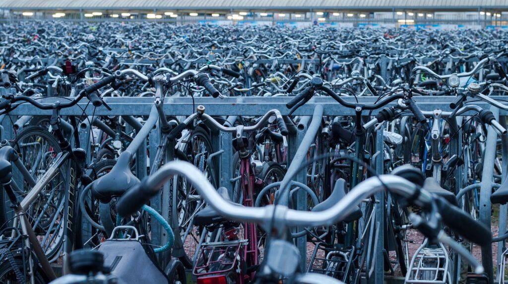 Tvåvåningsställ för cyklar